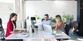 Tanda-Tanda Rekan Kerja yang Menyebalkan, Apakah Anda Termasuk?