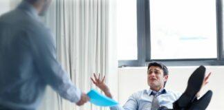 5 Tanda Karyawan Tidak Profesional yang Harus Dihindari!