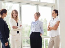 Alasan Mengapa Jangan Pernah Mudah Percaya Dengan Rekan Kerja Senior