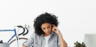 5 Dampak Buruk Karyawan yang Workaholic